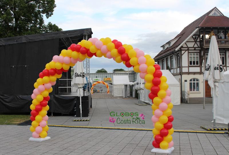 Arco de Globos Tricolor para entrada a Fiesta Familiar Steiff 2017.