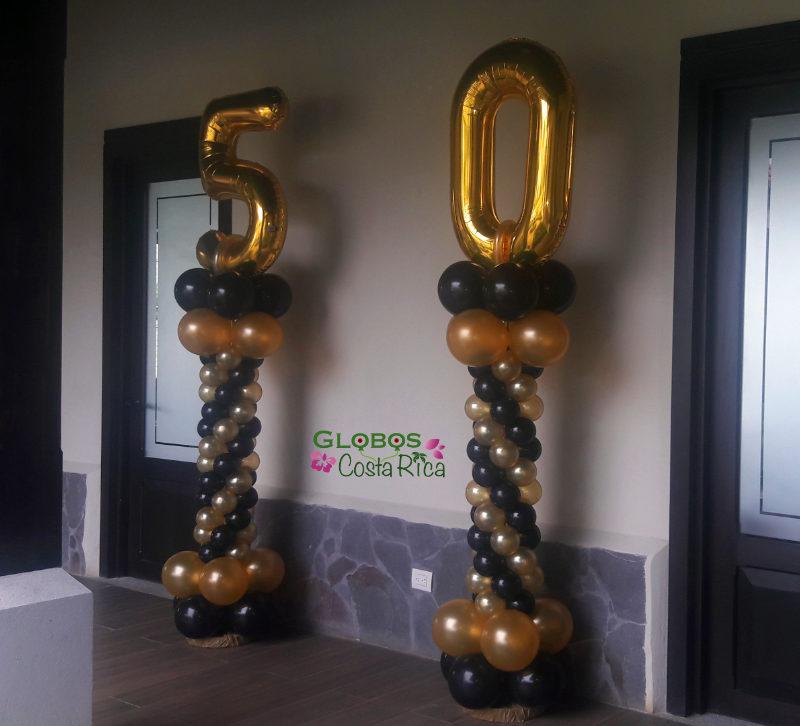 Ballon Zahl 50 Folienballon als Geburtstagsgeschenk Thema Elegant in La Guacima Costa Rica.