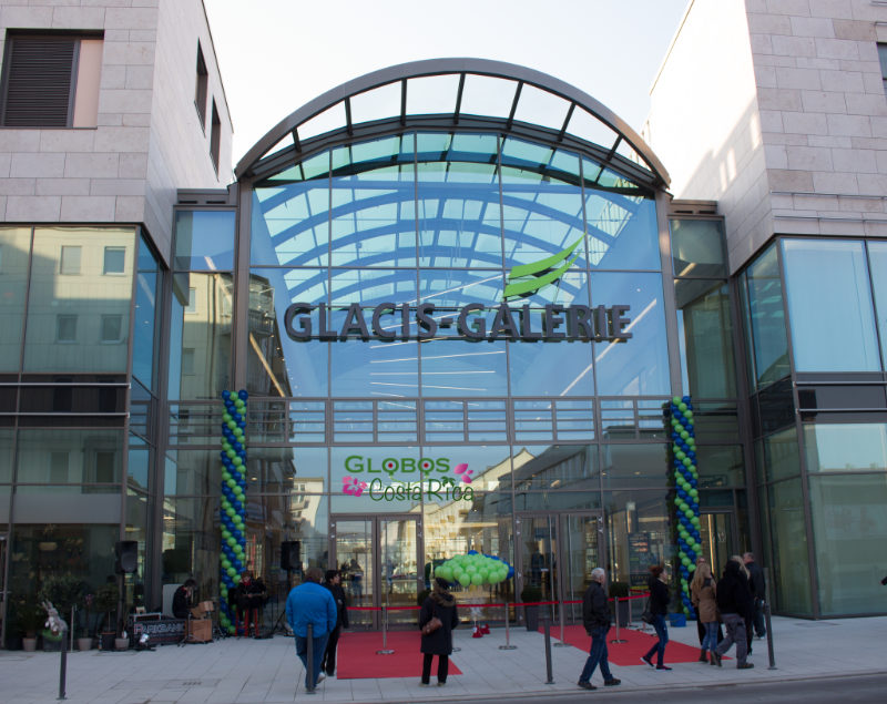 Grün blaue Ballonsäulen für die Neueröffnung einer Shoppingmall in Catedral Costa Rica.