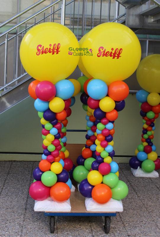 Mehrfarbige Ballonsäule für das Familienfest 2016 der Firma Steiff in Giengen an der Brenz.