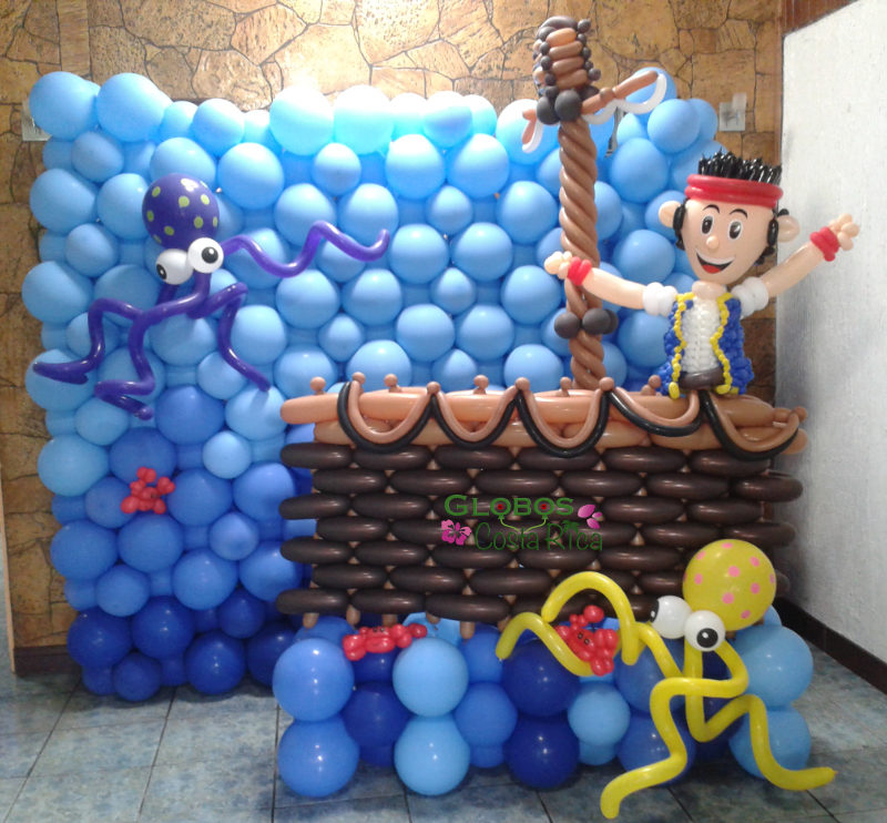 Balloon background decor for a birthday party themed Captain Jake neverland Pirates in Belén.