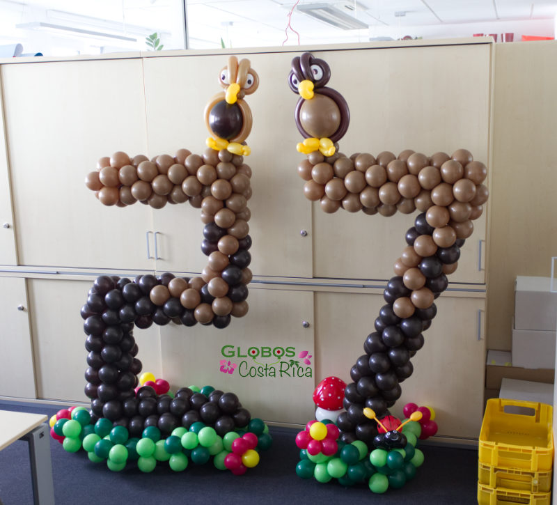 Balloon table number 27 for a company anniversary in Rohrmoser.