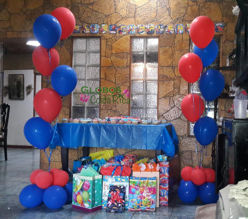 Superhelden Helium Ballons für einen Geburtstag in Escazú Costa Rica.
