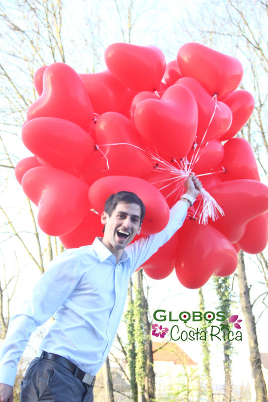 Red balloon hearts for a wedding in Palma de Mallorca.