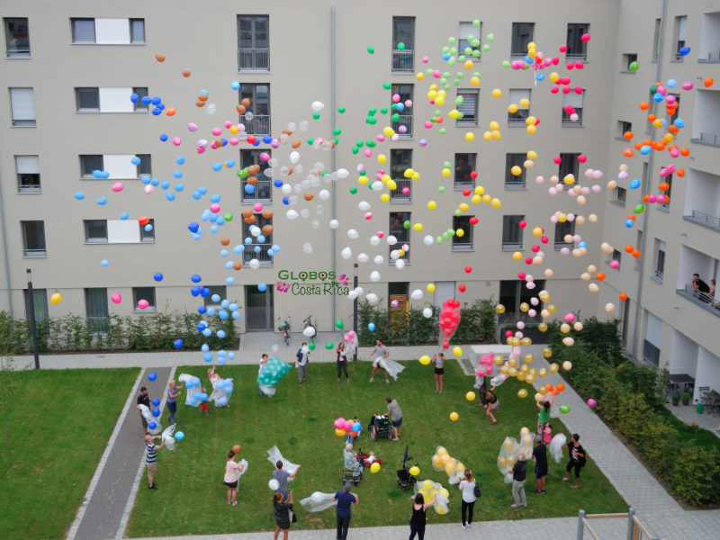Helium balloon release for a children birthday party in Belén.